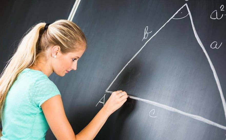 白人数学教师主要以黑人学校对待学生