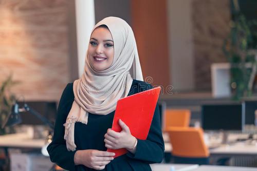 在获得新的商业资金方面 女企业家仍落后于男性