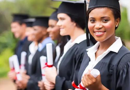 更多的必修数学课程不鼓励女性从事STEM职业