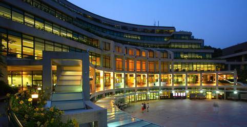 最近的悲剧表明香港的教育系统与学生一样失败