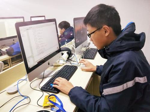 """第二届""""发现杯""""中国青少年编程挑战活动全国总决赛及颁奖典礼在北京举行"""