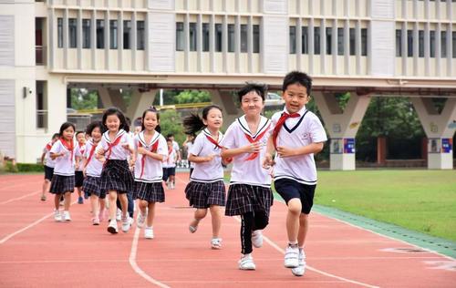 提前做点什么准备 能让孩子更快适应小学的生活和学习