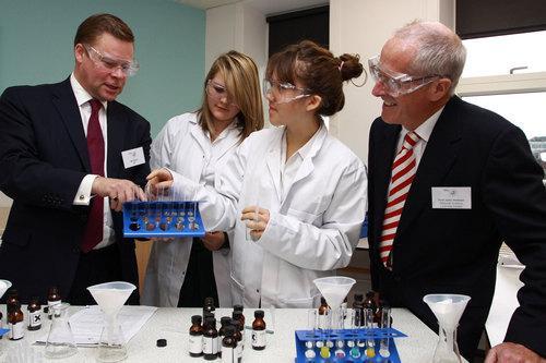 威尔康奈尔将为有经济需求的学生提供免费医学教育