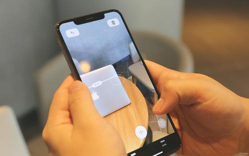 未来的iPhone可能会完全放弃充电端口