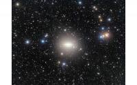科学家在草帽星系中观测到的大潮汐流