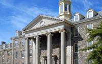 哈利法克斯大学的迎新周接近正常