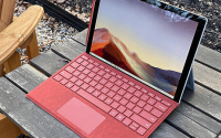 Surface Pro 8可能最终会配备Thunderbolt